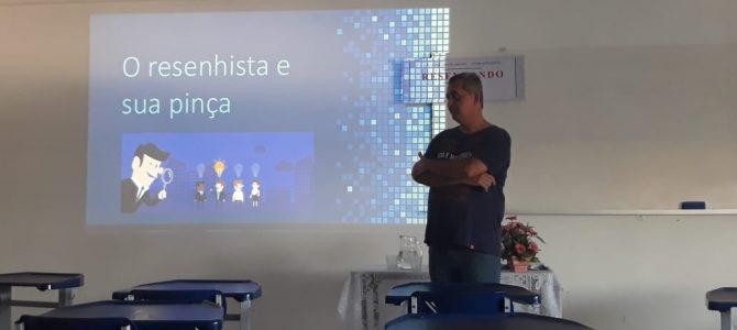 """Professor Eloésio Paulo contribui para o projeto """"Resenhando"""""""