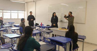 Universidade realiza primeiro concurso para professor de Libras – Português para surdos