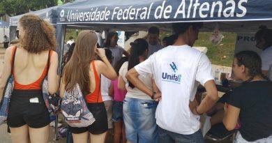 Universidade promove Feira de Saúde e Educação na cidade de Carvalhópolis; ação reuniu mais de 100 estudantes e servidores nas atividades para a população local