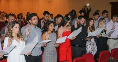 Primeira turma de Medicina da UNIFAL-MG cola grau em cerimônia na sede da Instituição