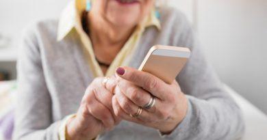 Ação de extensão promove chamadas via WhatsApp entre idosos e universitários durante o período de distanciamento social