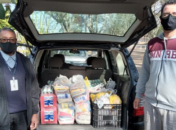 Parceria entre o projeto de extensão UNIFAL-MG em Sintonia e Accel doa de cestas básicas…