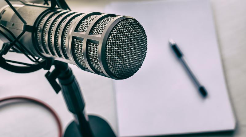 Projetos da UNIFAL-MG aderem a plataformas de áudio para divulgação de podcasts sobre ciência, atualidades, saúde e conhecimentos gerais; no Dia do Podcast, ouça algumas das produções desenvolvidas pela comunidade acadêmica